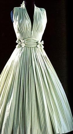 Ma Griffe by Madam Carven - This dress is Madame Carven's first design from 1945.