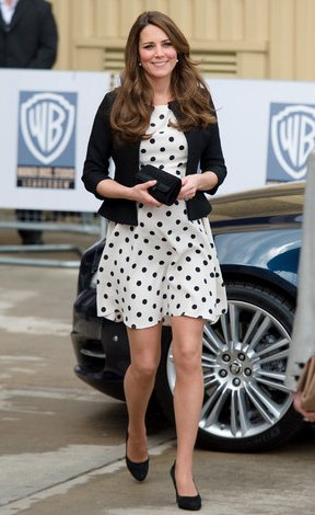 xkate-middleton-polka-dot-dress.png.pagespeed.ic.1YWRaM3R4P
